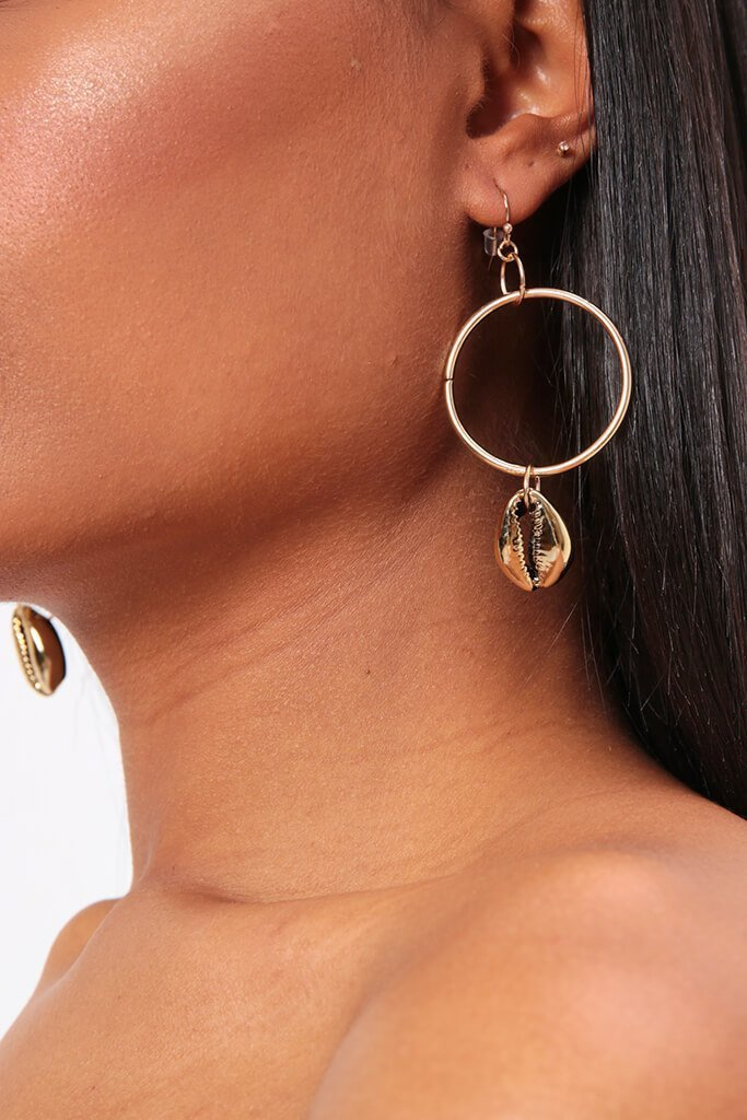 1661259d5a5b7e Gold Small Hoop Earrings With Shell Charm – asitall.world