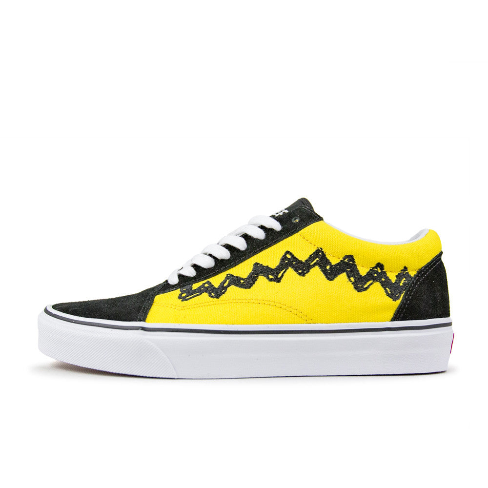 42ba4474075 Description. Charlie Brown   Black. VANS X PEANUTS OLD SKOOL ...