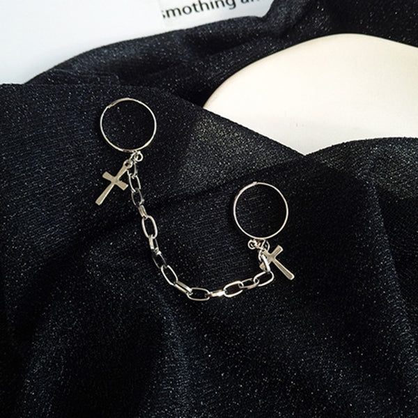 Edgy Chained Cross Rings