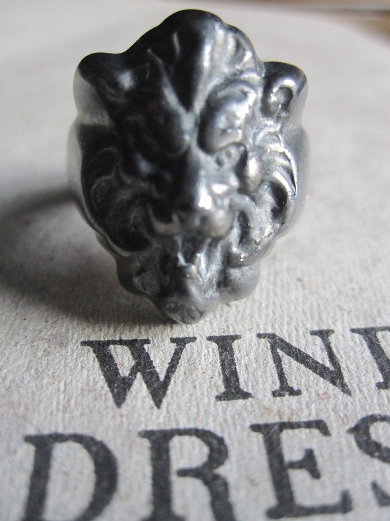 WDTS Sheffield Silver - Lion Head Ring - oxidised