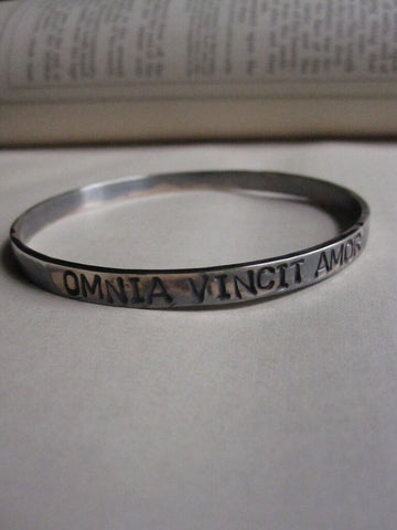 WDTS Sheffield Silver - Hand Hammered Bangle/Cuff -OMNIA VINCIT AMOR - Mixed Finish