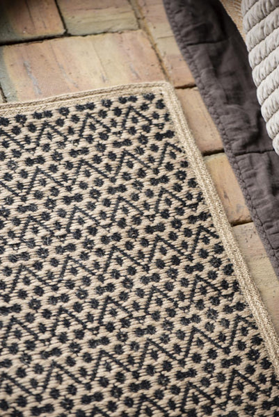 Jute/Cotton Rug with Zigzag Pattern