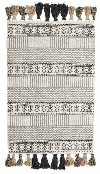 GRAPHIC canvas carpet w/fringes medium