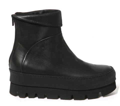 Lofina Pellame Short Boot- Gasoline Nero