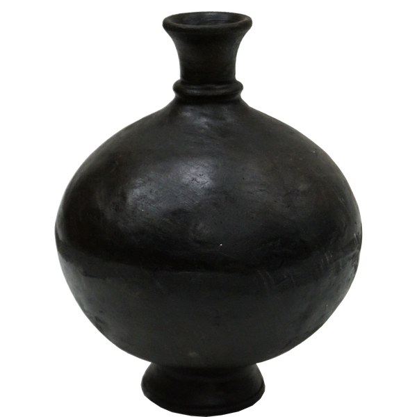 Bottle-shaped clay vase