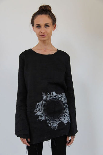 Window Dressing The Soul- Circle Linen Top- black