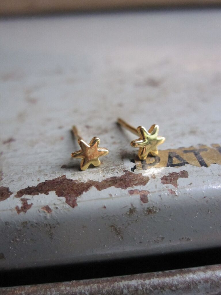 925 small star gold plated studs