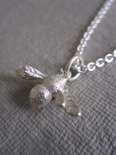 CollardManson 925 silver Bee Necklace