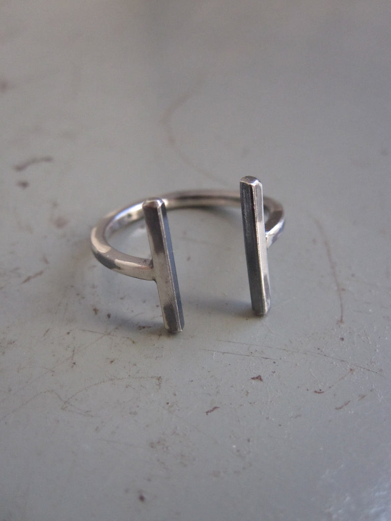 925 Silver hammered bar ring