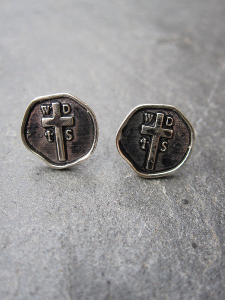 WDTS OXIDISED 925 SILVER SEAL EARRINGS.