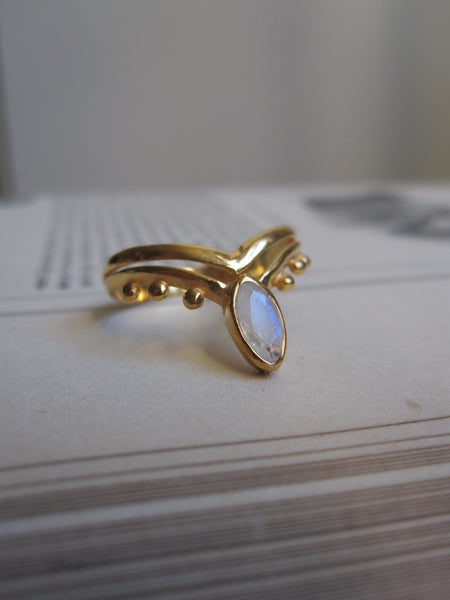 Gold plated 925 Silver Ring - moonstone