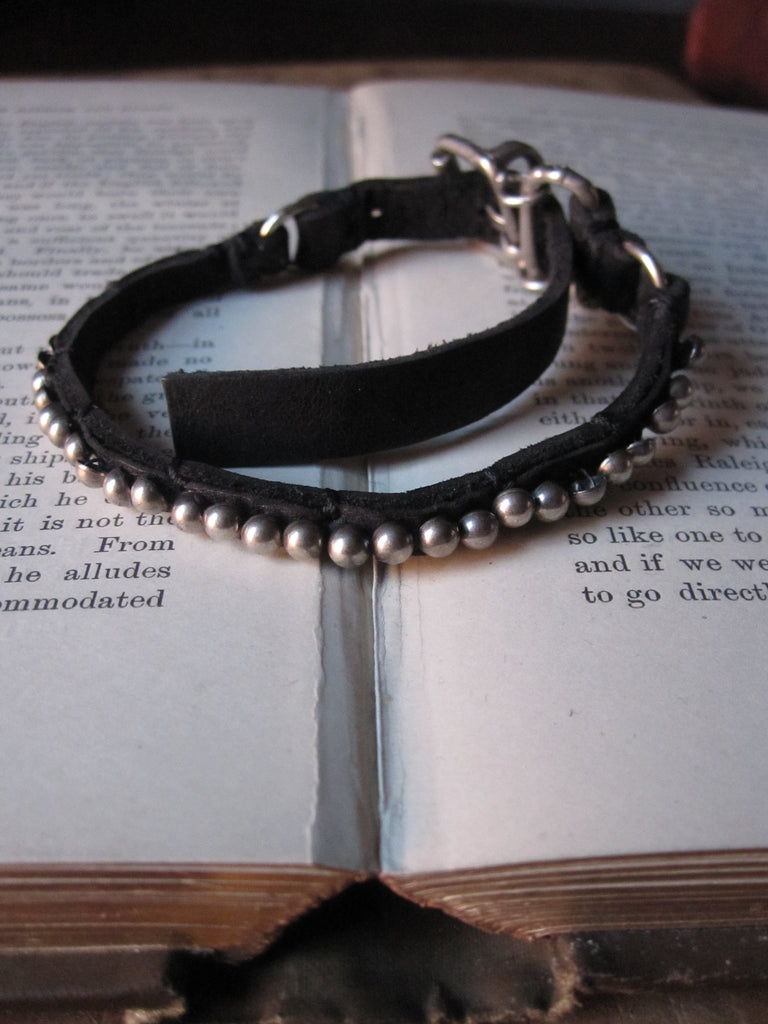 Goti leather bracelet with silver BR216