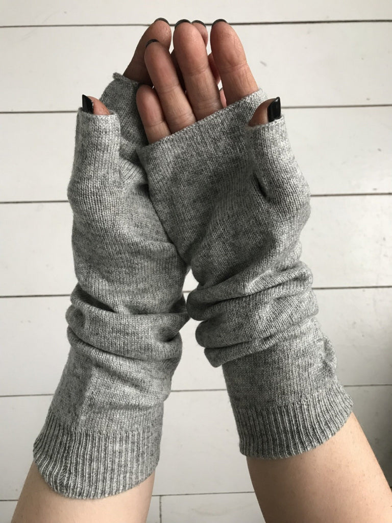 WDTS - Arm warmers in grey wool