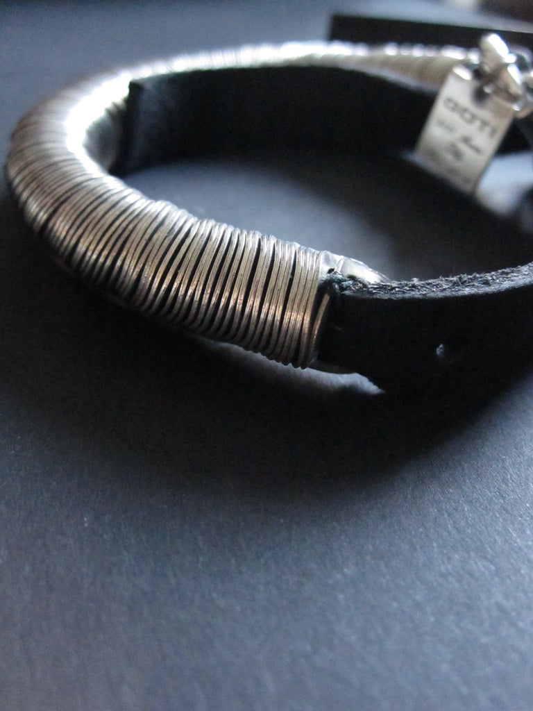 Goti 925 silver and leather bracelet BR118