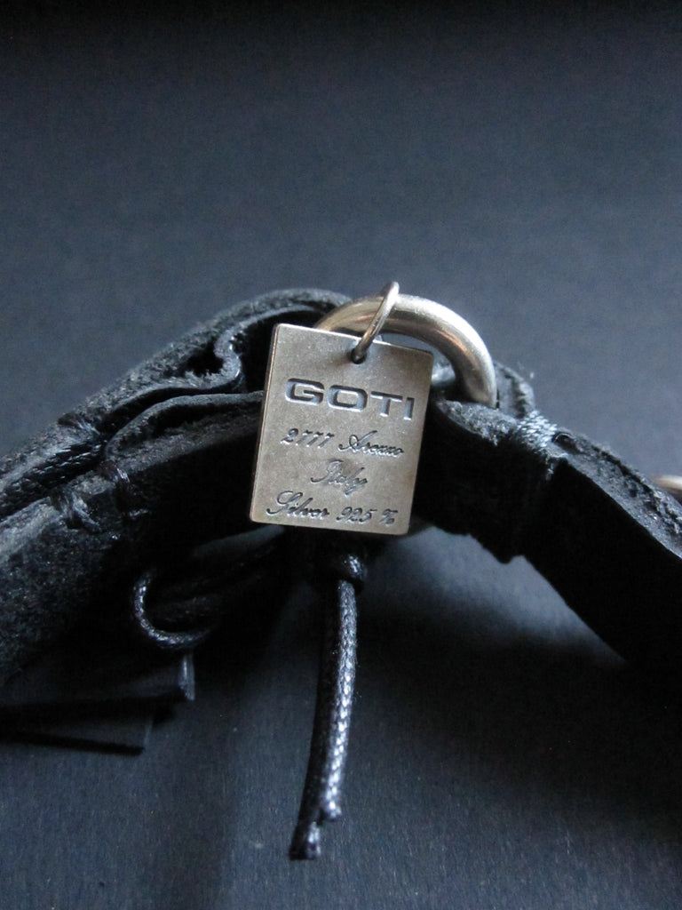 Goti 925 Silver and leather bracelet BR167