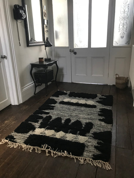 WOOL AND COTTON HAND-WOVEN RUG WITH SEQUINS