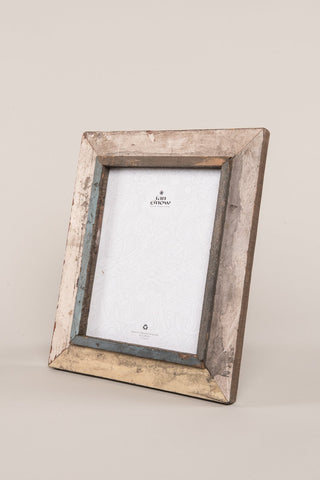 RECYCLED WOOD PHOTO FRAME