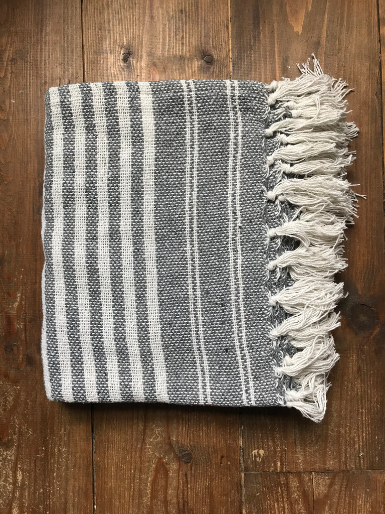 Cotton Throw- grey / off white