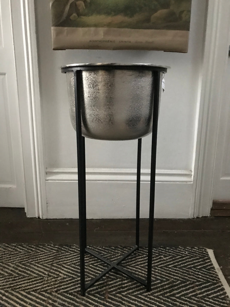 Planter with stand - Large silver