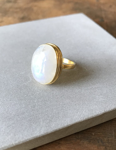 Rainbow Moonstone Oval Ring - Gold plated