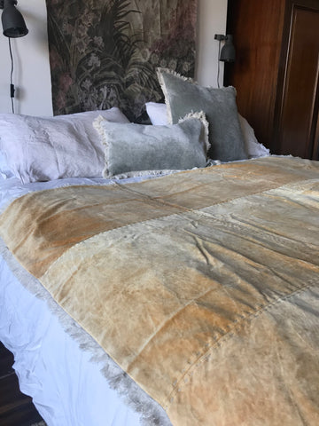 Stonewashed Velvet throw - mustard