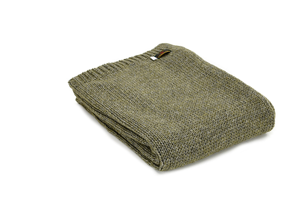 Knitted Aplaca Throw - 130 x 180cms - Green