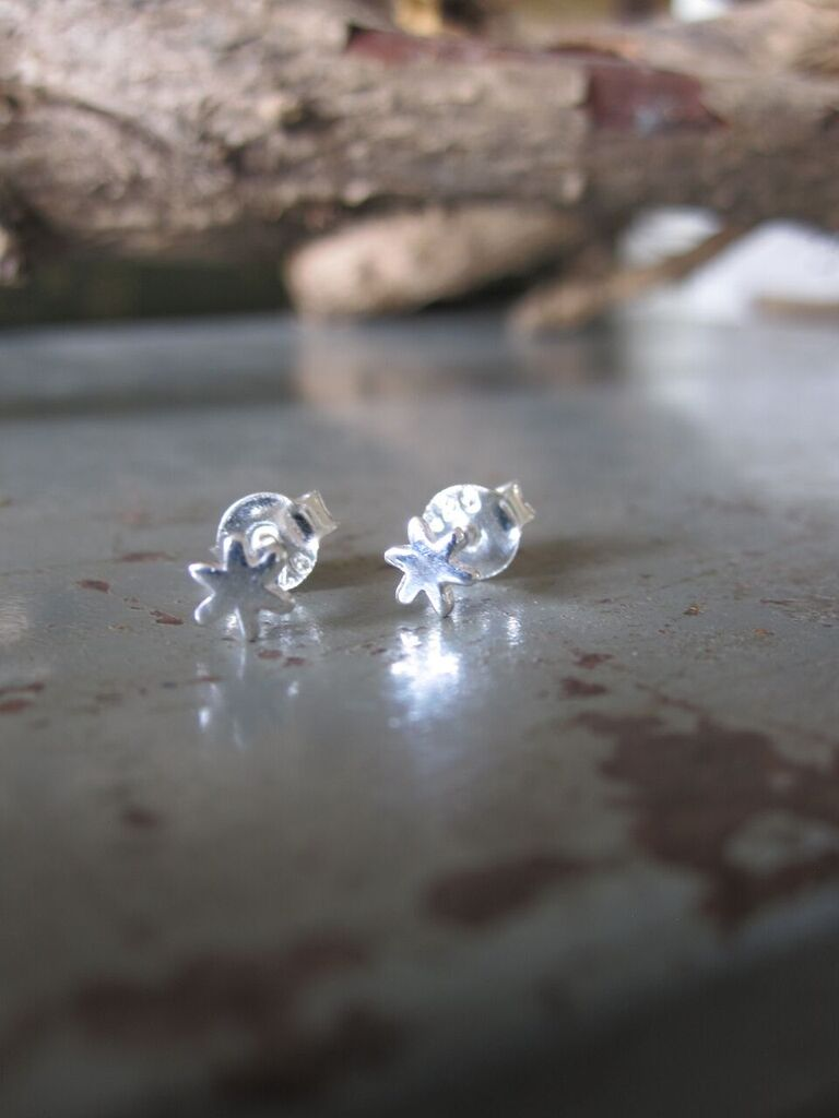 Small star silver studs