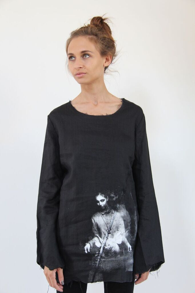 Window Dressing The Soul- Jordanna and Pig Linen Top