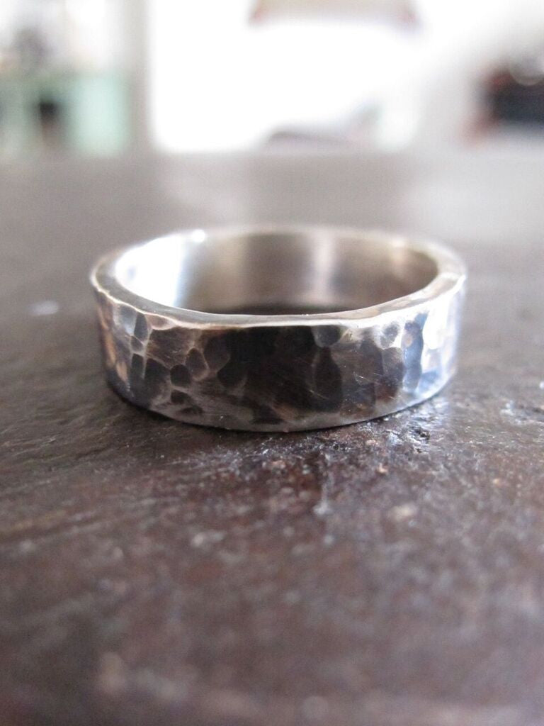 WDTS 925 SILVER HAMMERED BAND- hand brushed