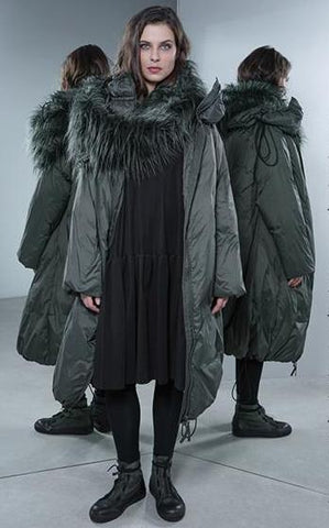 Rundholz AW18 3841201 Coat in Vert and black