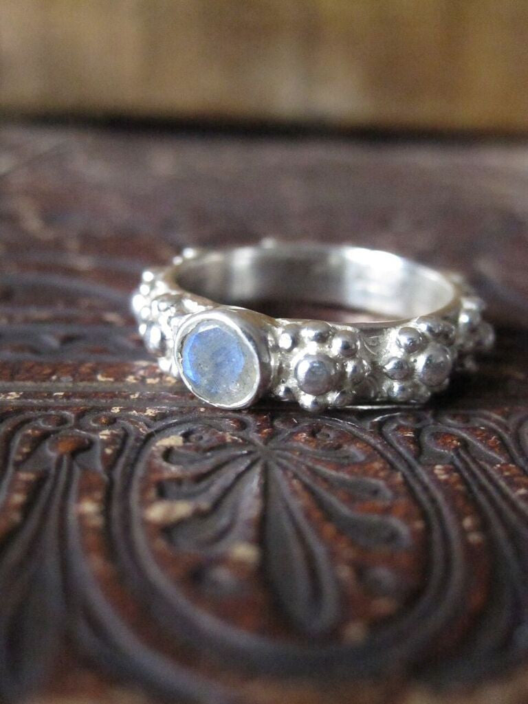 CollardManson 925 silver pattern stone ring-rainbow moonstone