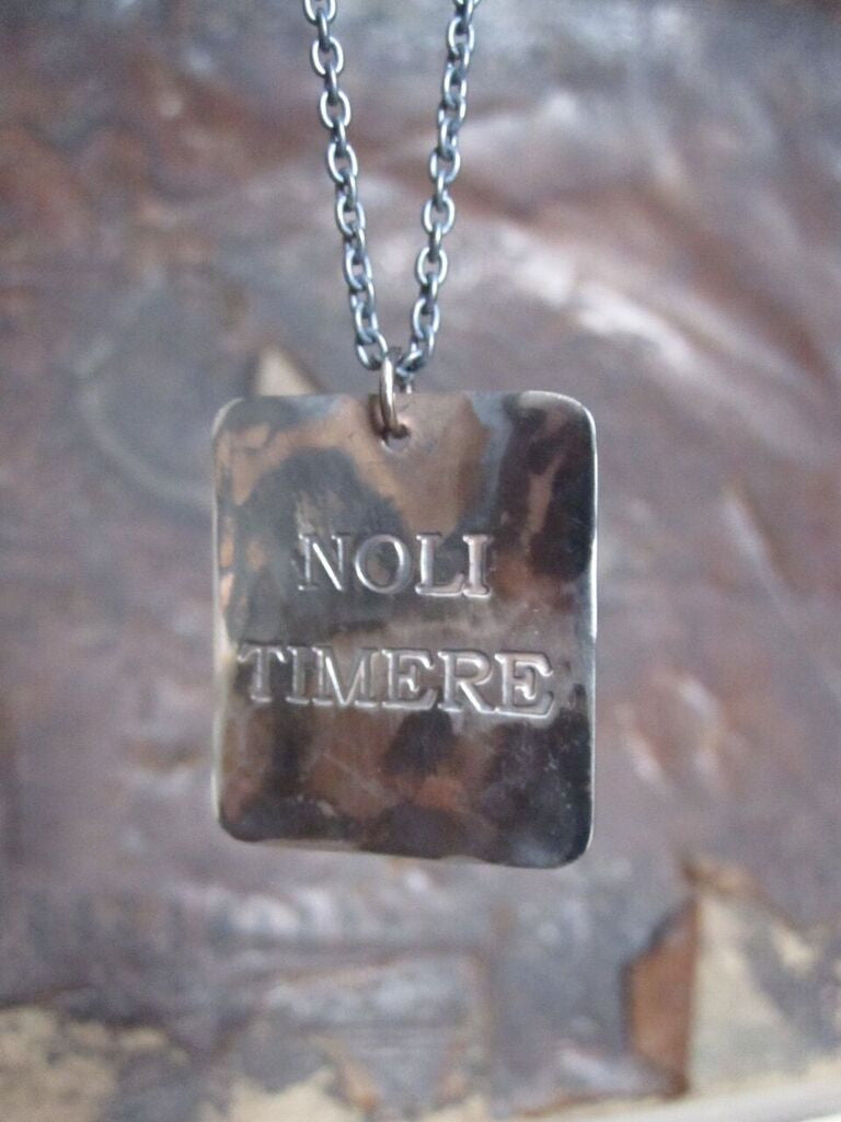 WDTS Sheffield Silver - Hand Hammered Necklace - NOLI TIMERE