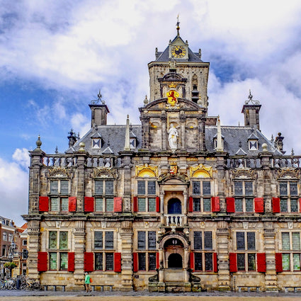discover the typical dutch city hall on the main square of Delft in Holland with Tulip Day Tours