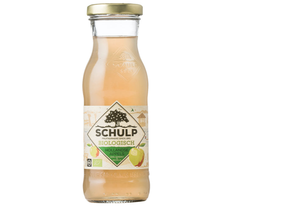 Schulp organic apple juice is part of the boxed lunch of Tulip Day Tours