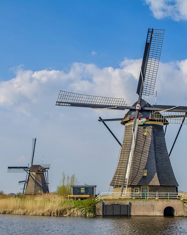 windmills in unesco kinderdijk