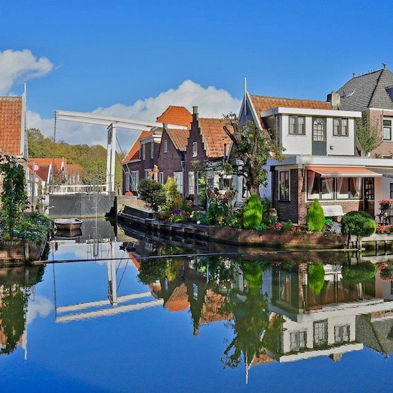 Discover the waterland region and                 the villages of Edam and Volendam with Tulip Day Tours