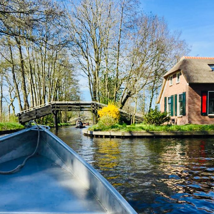 experience giethoorn from a whisper boat in fall and winter