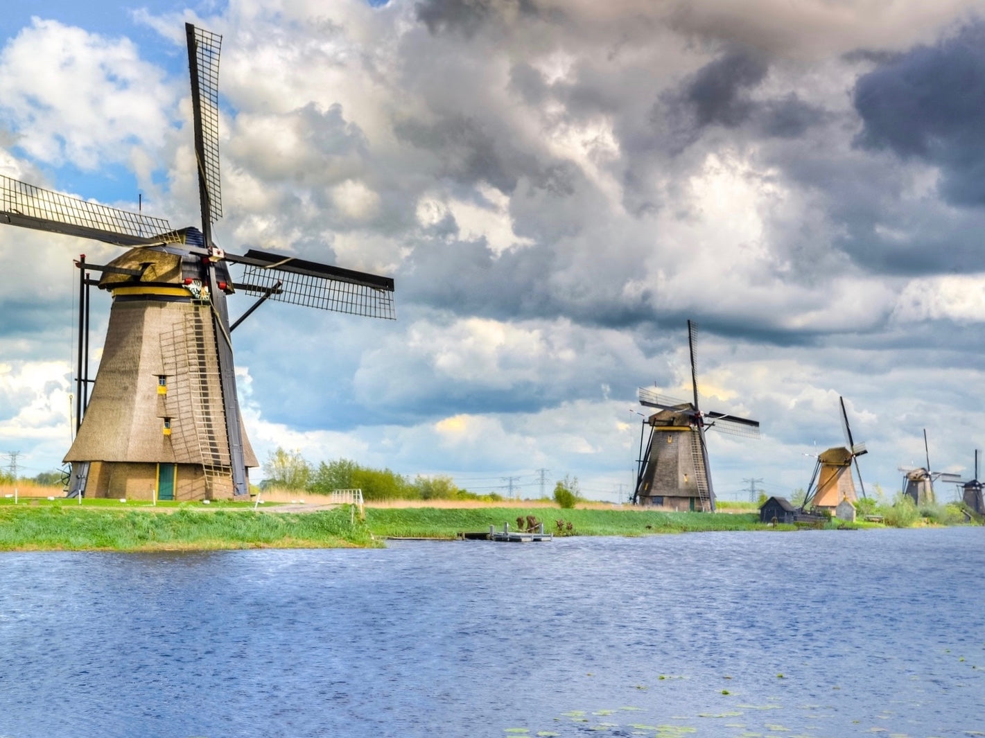 UNESCO's windmills of Kinderdijk in the sun