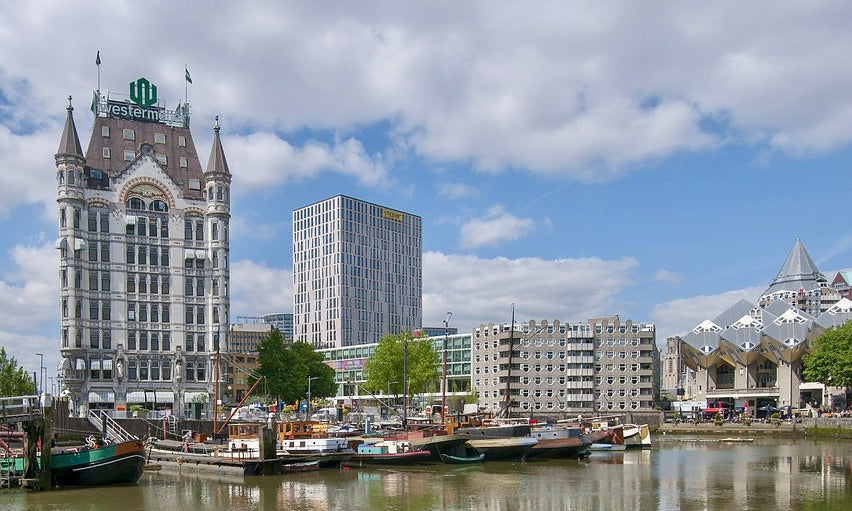 An image of the skyline of Rotterdam