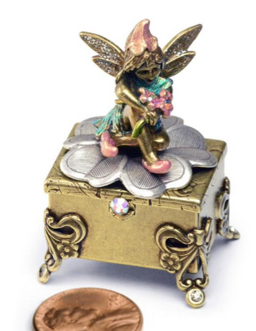 Tooth Fairy Sitting on Footed Box - Bronze 🇺🇸