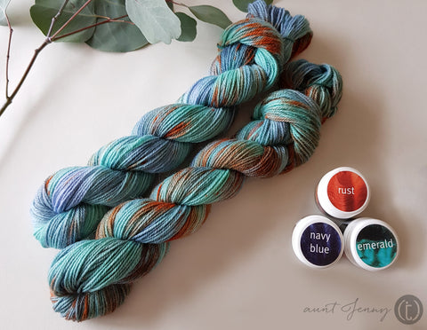 Image of finished skeins with ashford dyes used