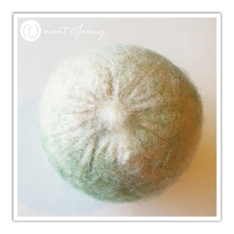 Greenish tinge on dryer ball