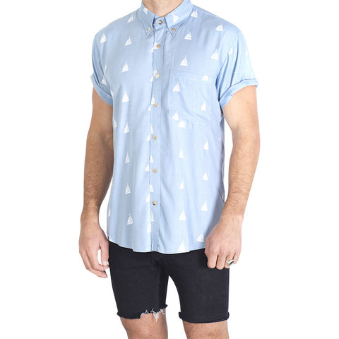 Sailing Boat S/S Shirt in Light Blue