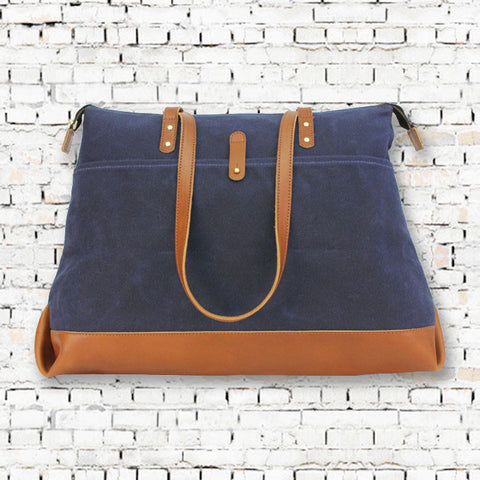 AM Travel Tote in Navy