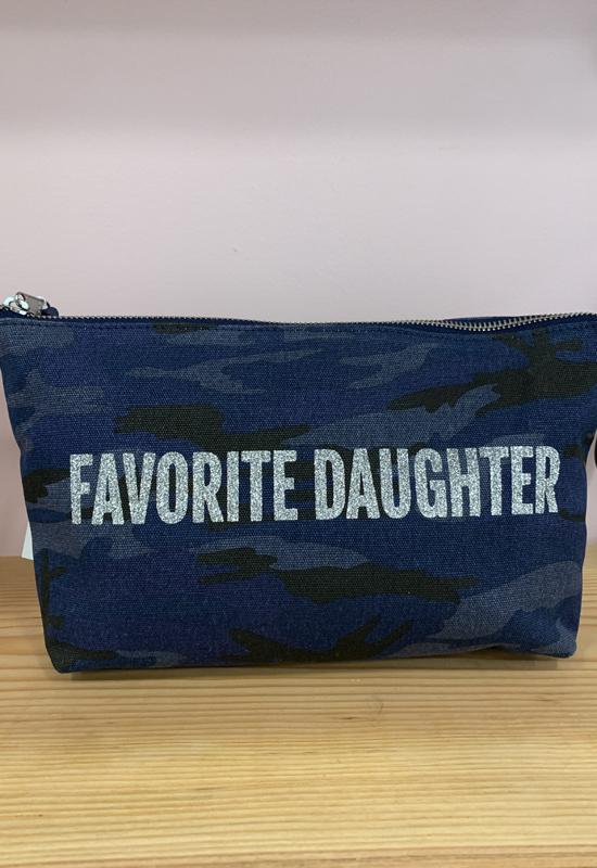 Quilted Koala - Clutch Bag Dark Blue Camo with Favorite Daughter
