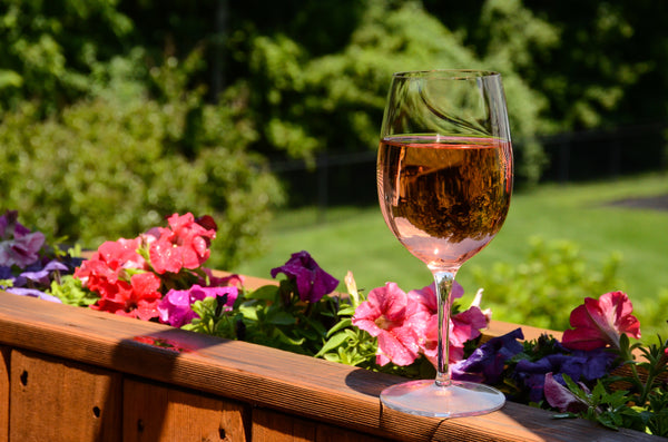 A COMPLETE GUIDE TO DRINKING ROSE THIS SUMMER