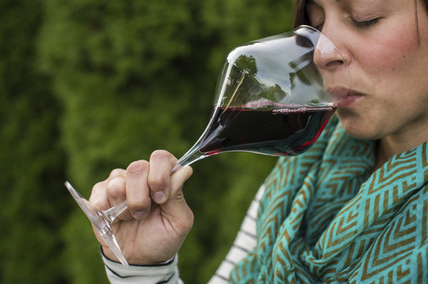 Does Glassware Affect the Taste of Wine? Find Out!