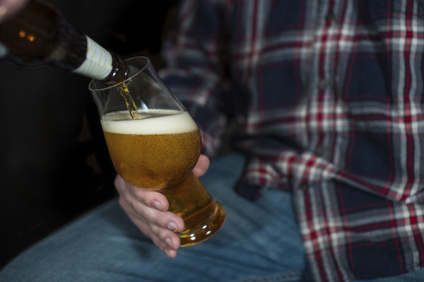 To Tilt or Not to Tilt: How to Properly Pour a Beer (and Why)