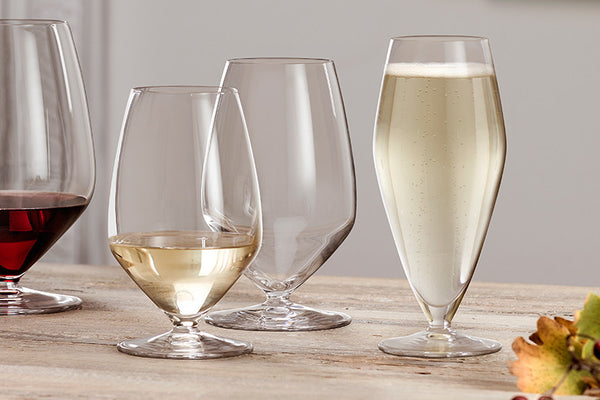 Kick Up Your Casual Dining Tablescape: Go Stemless!