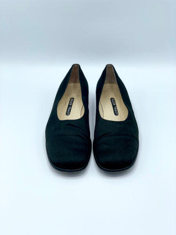 BLACK SATIN HEELED FLATS by ELLEN TRACY